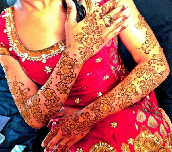 Henna Girl Hands Bridal Styles 2016